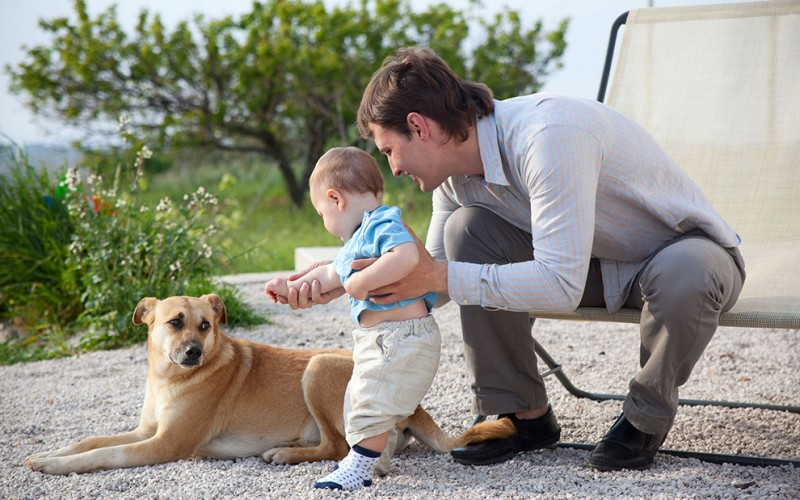How to introduce your dog to your new baby