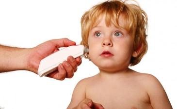 Treatment of ear infections with antibiotics