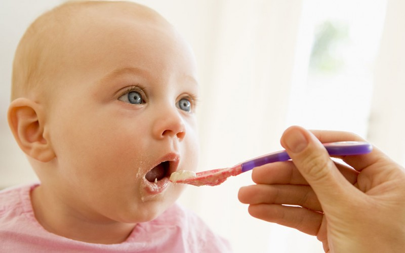 How do I know if my baby is allergic to a food?