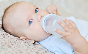 Can I give my newborn water?