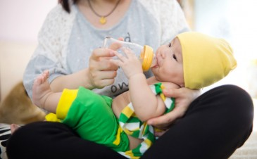QOD: Can I prop up my baby's bottle if I'm busy?