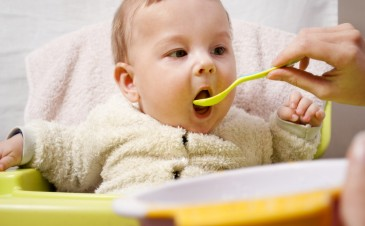 Will Spoon-Feeding Make My Baby Fat?