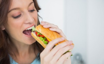 Why you should avoid deli meat during pregnancy