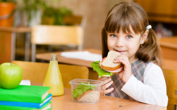 How to tell people your child has food allergies