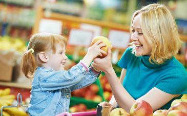 5 ways to be the ultimate nutrition gatekeeper in the grocery store