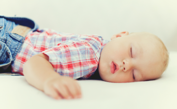 What a typical sleep schedule looks like for a 13- to 18-month-old