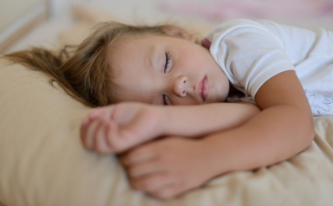 What a typical sleep schedule looks like for a 2.5-5-year-old