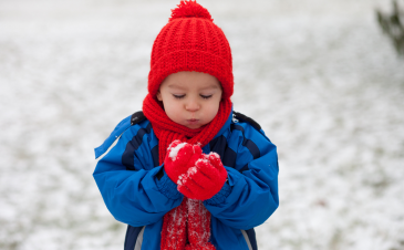 8 cheap outdoor activities for kids in the winter