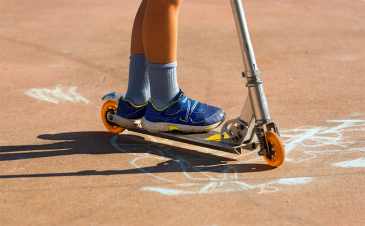 Kids and scooters: keeping your child safe on riding toys