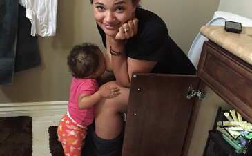 Breastfeeding on the toilet and social media: yay or nay?