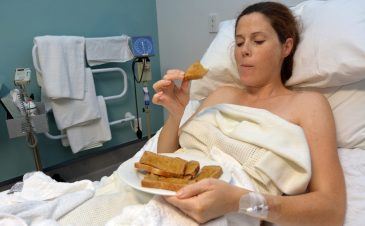 What you can eat and drink when you're in labor