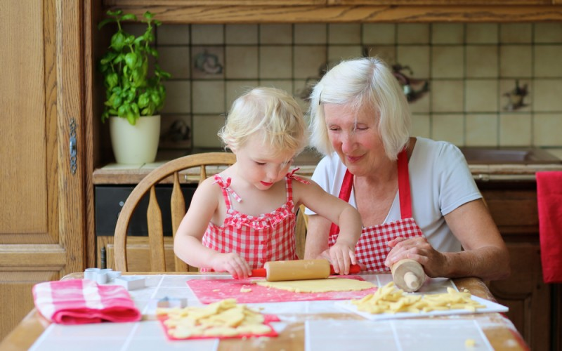 4 ways to get grandparents to feed your children healthy foods