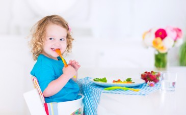 7 easy ways to get your toddler to eat veggies