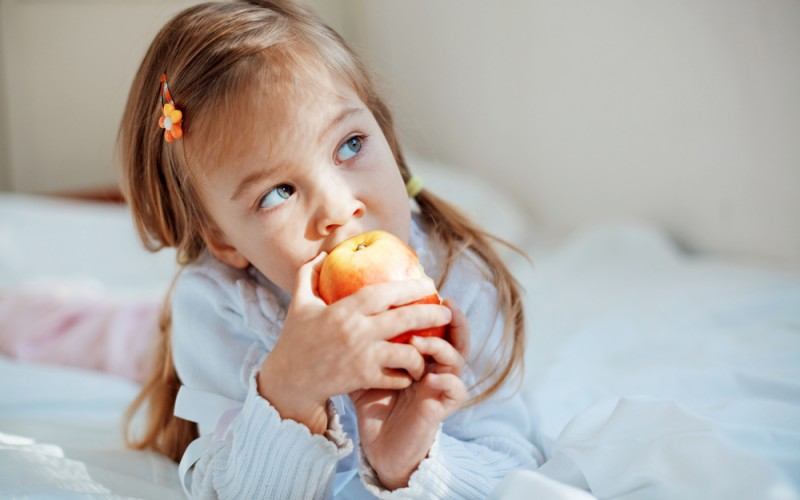 How to do bedtime snacks the right way