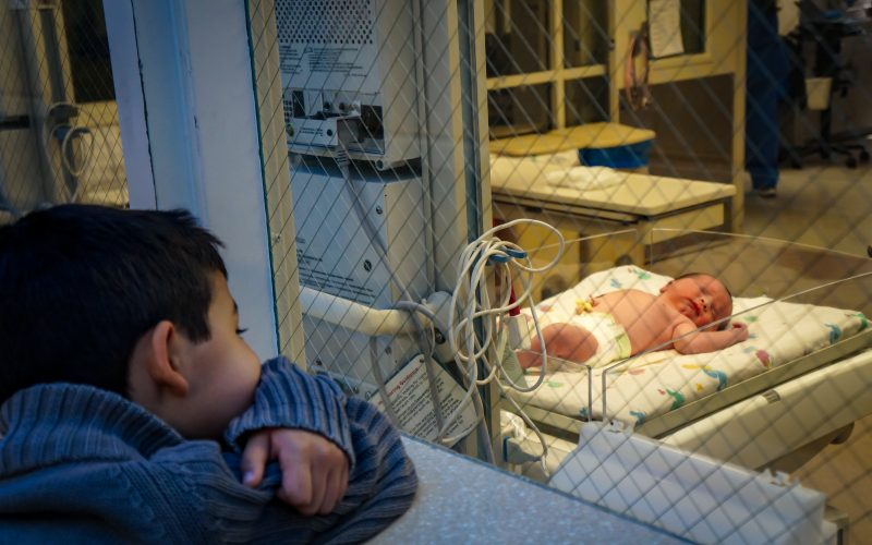 Should siblings be in the birth room?