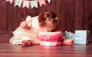 Throwing a safe party for your 1-year-old