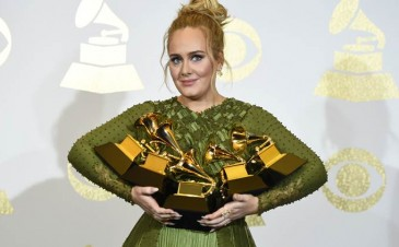 Adele opens up about PPD at the Grammy Awards