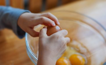 Are raw eggs safe for toddlers?