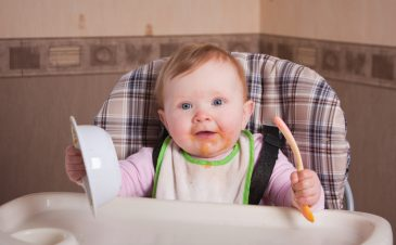 6 ways to make the transition to solid foods easier
