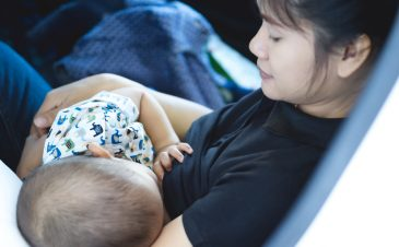 Your family doesn't support breastfeeding? Here's how you can convince them.